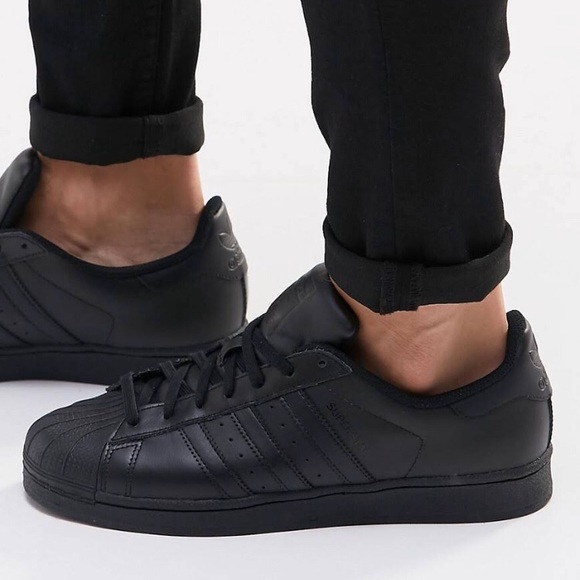 new concept ddfeb a9106 Adidas Superstar All Black